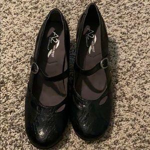 "Aerosoles 2.5"" heels"